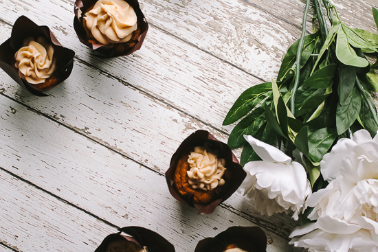 pumpkin nutella cupcakes with flowers