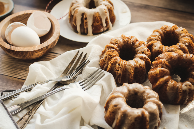 mini pumpkin bundt cakes6 3/4 angle