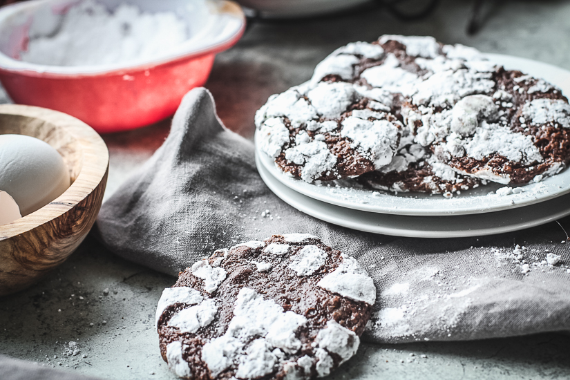 chocolate espresso crinkle cookies6 on plates
