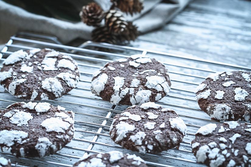 chocolate espresso crinkle cookies3 on rack