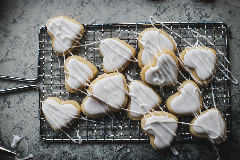 valentine heart sugar cookies white drizzled